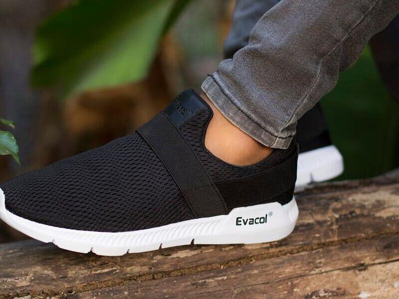 Zapatos Deportivos en Negro